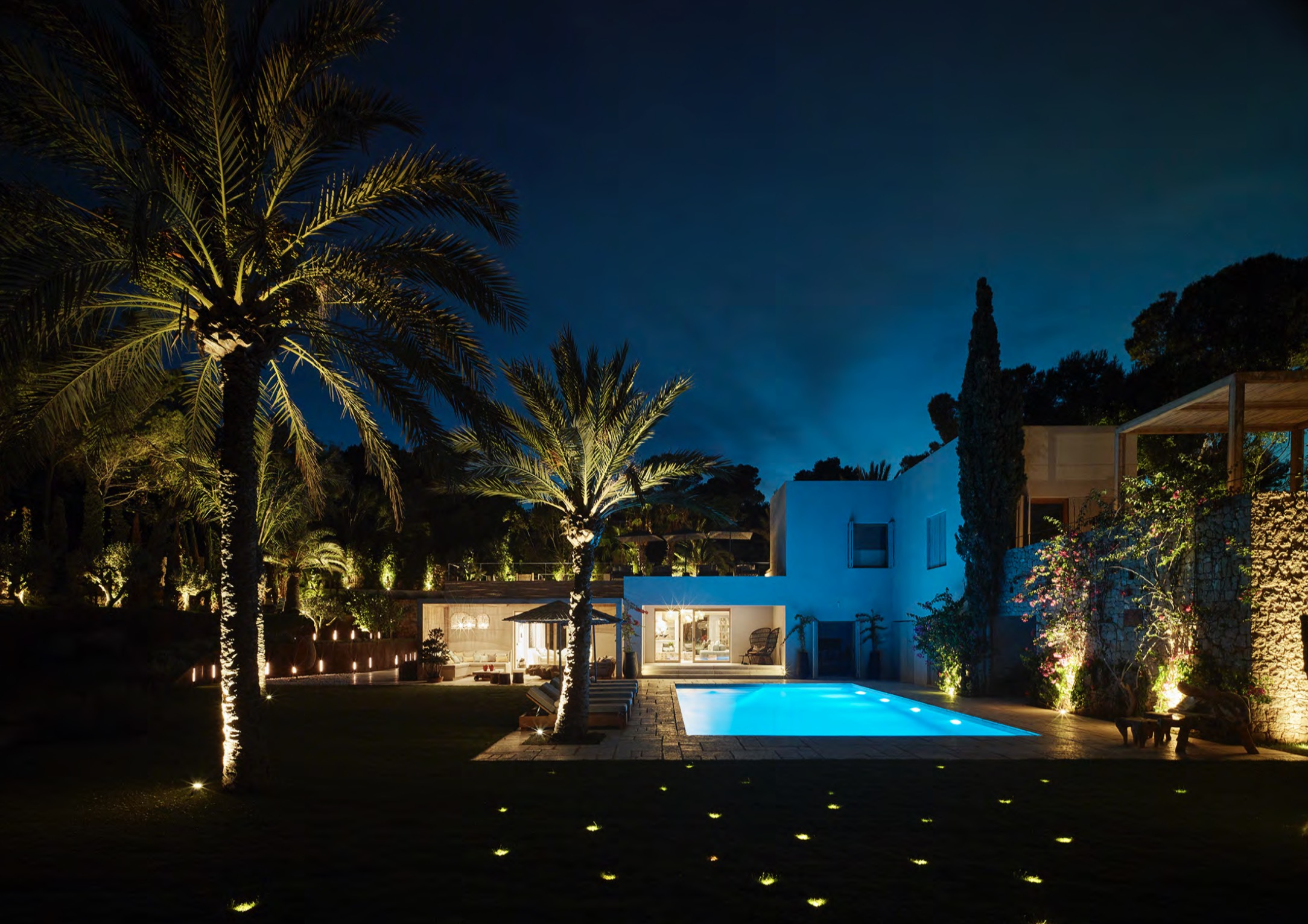 Outdoor lighting private villa