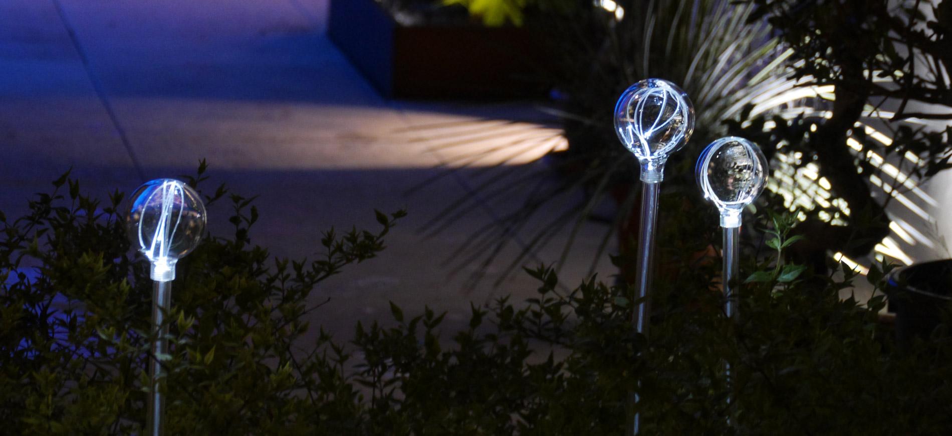 led-picket-garden-light
